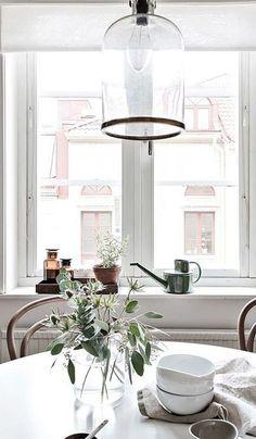 Cozy home with lots of details - via Coco Lapine Design Kitchen, ideas, diy, house, indoor, organization, home, design, cook, shelving, backsplash, oven, desk, decorating, bar, storage, table, interior, modern, life hack.