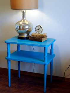 Bright Blue Chalkpainted Vintage Table http://www.restorationredoux.com/?p=6