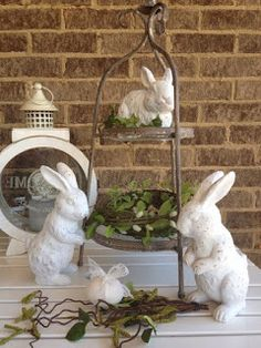 Easter display idea with shabby chic bunnies and greenery Hoppy Easter, Easter Bunny, Easter Eggs, Diy Ostern, Easter Parade, Easter Crafts, Easter Decor, Easter Ideas, Easter Celebration
