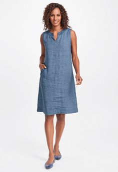 With plenty of styling options, this linen shift dress is a great new dress to try this season. Exclusively available in yarn dye and trimmed with our raw linen fabric for added texture and style. Womens Linen Clothing, Flax Clothing, Open Dress, Linen Dresses, Simple Dresses, Dream Dress, Dresses Online, Summer Outfits, Linen Fabric