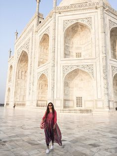 Fusion Style : Multicolor Kurti & Jeans – What All You Love Girl Photo Poses, Girl Photography Poses, Travel Photography, Indian Architecture, Ancient Architecture, Travel Pose, Travel Vlog, India Travel, Jaipur Travel
