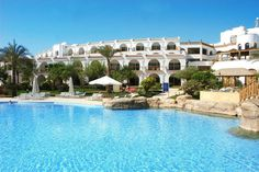 Top Hotels in Egypt - Places To Stay In Egypt. Best hotels in Egypt to stay in. Lots of activities to do while staying in Egypt hotels. Chicago Hotels, London Hotels, Top Hotels, Best Hotels, Soho, Sharm El Sheikh Egypt, Savoy Hotel, Hotel Deals, Outdoor Pool