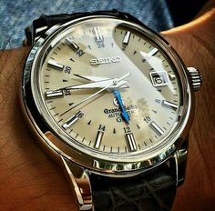 Vintage Watches Collection : A simple Seiko. - leather watch bands, inexpensive mens watches, hand watch for . - Watches Topia - Watches: Best Lists, Trends & the Latest Styles Amazing Watches, Best Watches For Men, Luxury Watches For Men, Beautiful Watches, Watches For Men Affordable, Watch For Men, Vintage Watches For Men, Classic Mens Watches, Vintage Seiko Watches