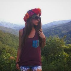 Mountain rose . . . .Tank by @serengetee . Shades by @shadesmonthly . Crown and jewels by me  . . #Boho #bohemian #gypsy #hippy #hippie #flowercrowns #flowercrown #shades #mountains #blueridgemountains #summer #goodvibes #goodvibesonly #longhair #longhairdontcare #turquoise #mountainmama #nature_perfection #adventure #exploremore #explore #festival #bohostyle #justgoshoot #travelmore #weartheworld #rosecrown #hiking #mountain #blueridge