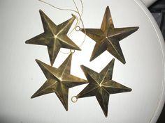Annons på Tradera: 4 st äldre stjärnor i mässing med hänge julgranspynt retro