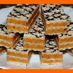 Ako je to možné, že táto griláž zmizne z tanierov najskôr 🙂 Czech Recipes, Russian Recipes, Christmas Sweets, Christmas Cooking, Sweet Desserts, Sweet Recipes, Cream Cheese Flan, Baking Recipes, Cake Recipes