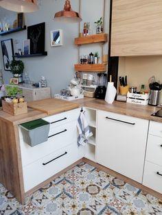 Kitchen Interior, Kitchen Design, Living Room Grey, Corner Desk, Sweet Home, Kitchen Cabinets, House Design, Furniture, Home Decor