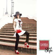 Rojo+Negro+Blanco= Nunca dejan mal!! Siempre elegante y sobria con tu #SandiaStreetStyle