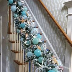 Beach Christmas garland! Sister, look at this, great for your house