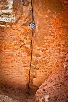 "The monster offwidth ""Century Crack"", Canyonlands, UT (5.14b). (photo: Alex Ekins)"
