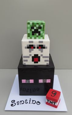 Minecraft cake Minecraft Cake, Cube, Party Ideas, Crafts, Manualidades, Ideas Party, Handmade Crafts, Diy Crafts, Craft