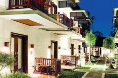 Respati is een zeer geliefd kleinschalig hotel met een intieme sfeer en vriendelijk personeel. Daarnaast geniet dit boetiek hotelletje een perfecte ligging in het centrum én direct aan het strand van Sanur. Reden genoeg voor vele repeaters om jaarlijks terug te keren!