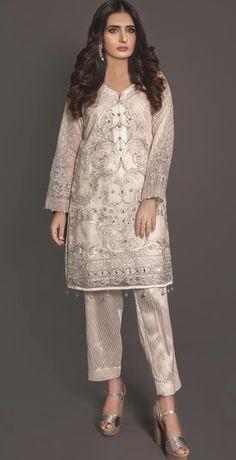 Plus Size White Lace Ruffle Hem Midi Dress Vestido Batik, Batik Dress, Lace Ruffle, Lace Skirt, Elisa Cavaletti, Beautiful Summer Dresses, Groom Outfit, Dresses For Sale, White Lace