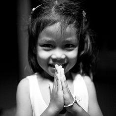 https://flic.kr/p/4DoBbU   Child Waiying - Pimai, Thailand