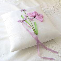 ribbon embroidery... so pretty!