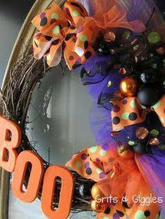 Love the Halloween Wreath!! #halloween #wreath
