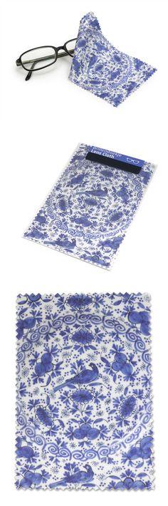 Lens Cloth, Delft Blue Faience Plate, Detail € 4,95 #museumshop #souvenir