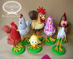 Gallinas!! Canciones de la granja de Zenon! Porcelana Fria! Adorno de Torta, Centros de Mesa, Decoración, Souvenirs! Bataraza, Turuleca, Pollito Pio Pio, Gallo... Mickie Mouse Party, Cute Crafts, Diy And Crafts, Fondant, Cowboy Theme Party, Farm Cake, Puppy Party, Ideas Para Fiestas, Easter Eggs