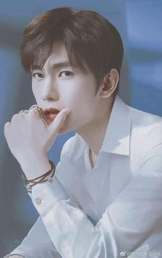 Yang Chinese, Chinese Boy, Asian Actors, Korean Actors, Kdrama, Yang Yang Actor, Asian Men Hairstyle, Asian Love, Cute Korean Boys