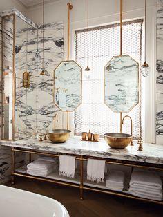 Banheiro Mármore e Dourado Designer: Maddux Creative Fonte: The World of Interiors Maio 2014