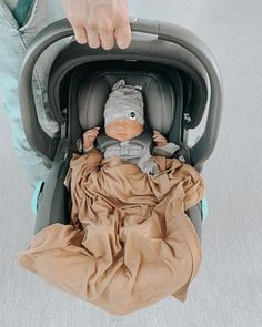 Baby Trend Secure Snap Gear 35 Infant Car Seat Car seat goals - Baby Car Seats Newborn -Ideas of Bab Cute Little Baby, Baby Kind, Cute Baby Pictures, Baby Photos, Sleep Pictures, Cute Kids, Cute Babies, Baby Family, Cute Baby Clothes