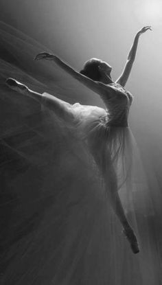 Ballet ~ Lovely arabesque