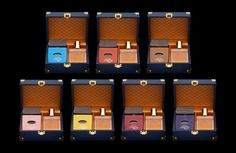 Photographie d'une gamme de coffrets pour présenter des parfums. Louis Vuitton Damier, Luxury, Pattern, Bags, Box Sets, Lineup, Photography, Handbags, Patterns