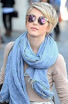 Cute blonde pixie for winter 2017