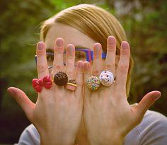 aneis <3  feitos à mão de cerâmica plástica  #laço #brigadeiro #pastel #cupcake #parque #sol #vintage