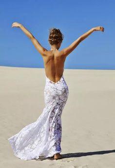 Vestido de novia ligero para boda en la playa