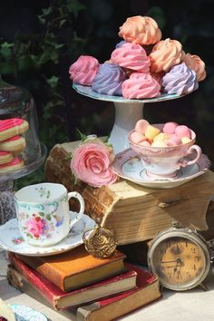 Images and videos of Books and Tea Tea Sets Vintage, Vintage Decor, Vintage Display, Vintage Dishes, Vintage Books, Scones, Books And Tea, Tea Party Setting, Afternoon Tea Parties
