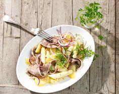 Erdäpfelsalat mit Tafelspitz und Spargel Ramen, Mexican, Ethnic Recipes, Food, Beef, Apple, Food Food, Cooking, Simple
