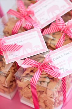 Animal crackers with a cute gift tag makes a great favor for a Baby Shower  I want to do with blue ribbon and her theme picture on tags