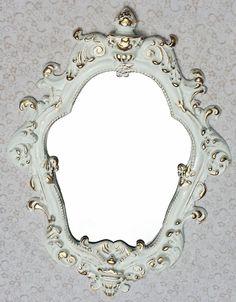 Todos Produtos são feitos de forma artesanal.    Moldura em resina.  Moldura já com espelho.  Modelo Veneziano já gancho.    Somente na cor do anúncio.    Medidas:  Medida externa de 50 x 36cm.      PRAZO DE PRODUÇÃO:  O PRAZO DE PRODUÇÃO É DE 3 A 5 ÙTEIS CONTAGEM É INICIADA A PARTIR DA DATA DE A...