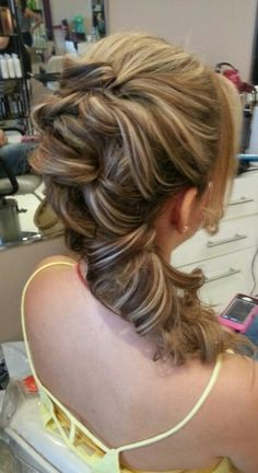 Peinado hecho por glow #bridalsupdo #hair #wedding #updo