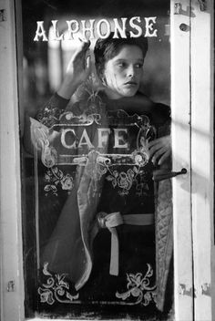 Ferdinando Scianna. Paris. Scanna virtually invented documentary-fashion photography or glamour-journalism...or whatever one might choose to call it...