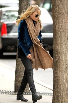 LOVE this comfy look from MK. Perfect for a chilly day.