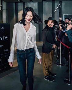 🧧🧧🧧安利你们看知否知否。应是绿肥红瘦〈😍ノ #liuwenlw #liuwen #刘雯 Liu Wen, Bomber Jacket, My Style, Jackets, Shirts, Fashion, Down Jackets, Moda, La Mode