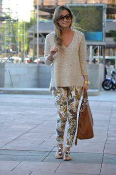 Jersey/Sweater: Zara (Old) Jeans: Zara (New) Sandalias/Sandals: MaryPaz Bolso/Bag:CH Carolina Herrera Bags (Old) Gafas/Sunglasses: Tom Ford. Óptica H... Reloj/Watch: Michael Kors