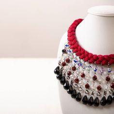 EDICIÓN LIMITADA!  Pronto podrás disfrutar de esta edición limitada especialmente diseñada y pensada en ti. En nuestro post anterior viste los únicos seis colores y combinaciones que tendremos para estas fiestas. . . Fotografía : @klebersoriano . be DIFFERENT choose an #kk #fashion #moda #braids #statement #necklace #bisuteria #bijoux #jewels #jewelry #design #designer #emprendedor #Ecuador #photography #handmade #estilo #style #fashioninsta #marketing #socialmedia #modafemenina #classy…