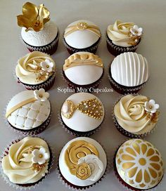 Cupcakes Pretty Holidays 48 Ideas For 2019 Elegant Cupcakes, Gold Cupcakes, Fancy Cupcakes, Pretty Cupcakes, Beautiful Cupcakes, Anniversary Cupcakes, Fondant Cupcake Toppers, Wedding Desserts, Wedding Cakes