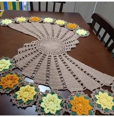 Ideas Crochet Table Runner Free Pattern Fall For 2019 Crochet Table Topper, Crochet Table Runner Pattern, Crochet Doily Patterns, Crochet Tablecloth, Crochet Motif, Crochet Doilies, Crochet Flowers, Crochet Home, Crochet Crafts