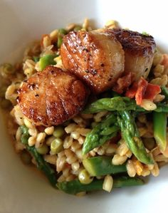 Seared Scallops with Farro & Orange Saffron Butter Sauce //Manbo