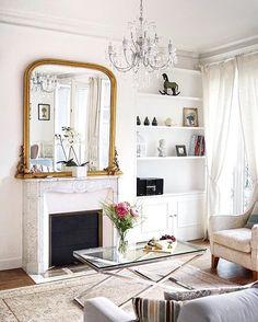 Oh, for a glimpse into a covetable Paris apartment! Thanks for indulging us, @leparisblog. (Photo: @leparisblog, #RSlove) #paris #hipparis Elegant Home Decor, Elegant Homes, Cheap Home Decor, Parisian Room, Parisian Decor, Parisian Style, Living Room Inspiration, Home Decor Inspiration, Interior Exterior