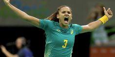 Com gosto de vingança, Brasil passa pela Romênia no handebol