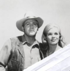 """""""The Big Valley"""" Linda Evans and Lee Majors. 1965-1969"""
