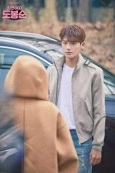 i thought new bts from another bts kkkk. Still waiting patiently sofa bts. Please dont put on blue ray or dvd cut Yes, I also wait for the sofa bts especially their ad-libs. Park Hyung Sik, The Heirs, Asian Actors, Korean Actors, Korean Dramas, Strong Girls, Strong Women, Park Hyungsik Hot, Park Hyungsik Wallpaper