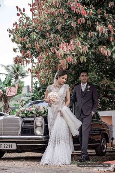 Christian Wedding Dress, Christian Bridal Saree, Christian Bride, White Saree Wedding, White Bridal, Sri Lankan Wedding Saree, South Indian Wedding Hairstyles, Kerala Wedding Photography, Travel Photography