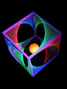"""3D String Art Deko Würfel """"Violet Flower"""" #blacklight #schwarzlicht #stringart…"""