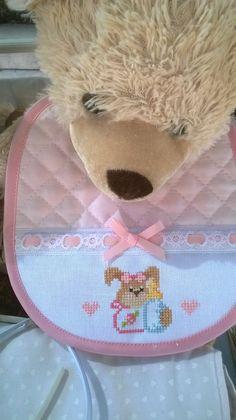 e non solo! Embroidery Applique, Cross Stitch Embroidery, Cross Stitch Baby, Cross Stitch Designs, Baby Bibs, Cross Stitching, Crochet Baby, Teddy Bear, Toys